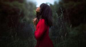 blk girl praying