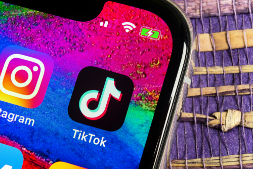 Instagram Reels vs. TikTok: Adapting to social media platforms